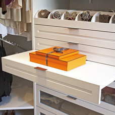 Ways to Maximize Storage in Your Walk-In Closet