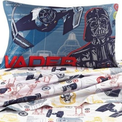 Disney - Disney Star Wars Characters Printed Sheet Set - This Star Wars sheet set is a great way to update your child's bedroom. These sheets are super soft and coordinate perfectly with the Star Wars comforter.