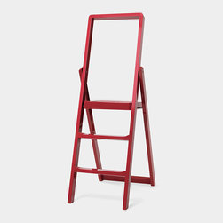 'Step' Ladder, Red - This is significantly prettier than your average step ladder. It's nice enough to display in your home instead of keeping tucked away in a closet.