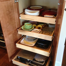 Traditional Kitchen Drawer Organizers by Total Quality Home Builders, Inc.