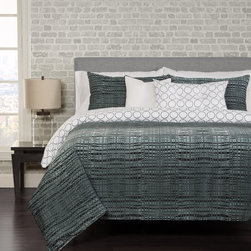 SIScovers - Interweave 4-piece Duvet Cover Set - Hand-crafted with soft microfiber polyester,the Interweave duvet cover set features a contemporary basket weave print on the front with a black circle geometric reverse. A decorative pillow and reversible shams complete this trendy set.