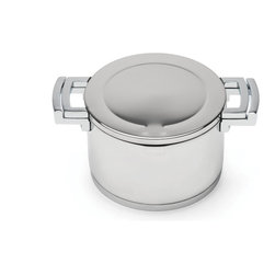 "Berghoff - Berghoff Neo Covered Stockpot 9.4"" - 10""/5.2 Qt covered stockpot is made with durable 18/10 stainless steel, 0.8 mm of wall thickness. The pot is provided with a practical spout to simplify pouring which is possible thanks to the special holes in the rim."