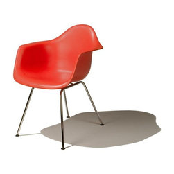 Eames Molded Plastic Armchair - DAX - What's not to love about anything and everything Eames? What I find especially appealing about this particular chair is the clean and simple base, allowing for all of your attention to be directed towards the awesome shape of the chair.