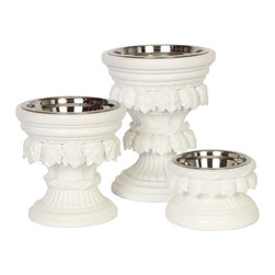 Unleashed Life - Baroque White Large Feeder - The New Baroque in White gives our classic style Baroque a touch of modern. It's adorned with acanthus leaves and rope detailing and finished in an updated white lacquer