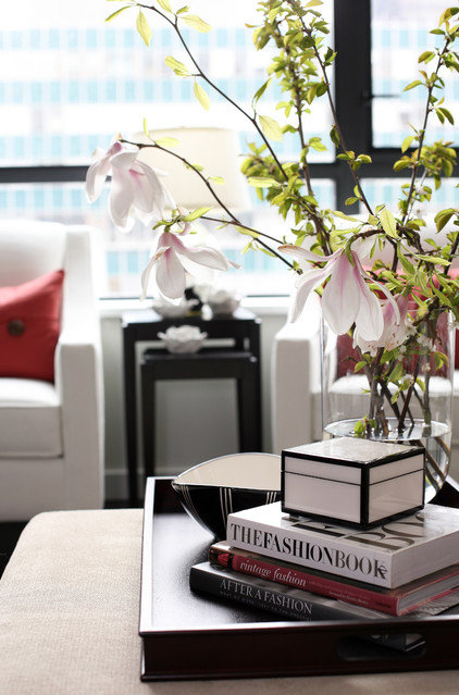 Contemporary  by Kerrisdale Design Inc