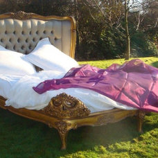 traditional beds La Reina Gold French Bed