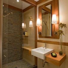 Showlow Cabin / master bath