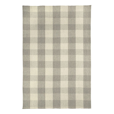 Nottingham rug in Grey - Nothing says style more than a crisp, bold gingham pattern.  Coupled with today's trending colors, these geometrical checks can enhance any room.