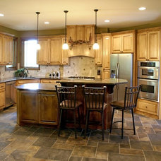 Traditional  by Bergstrom Cabinets