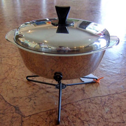Vintage Accessories - CUTE, retro chafing dish!