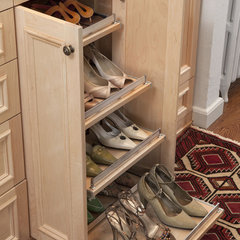 eclectic closet by transFORM | The Art of Custom Storage