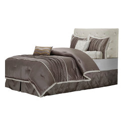 Blakely Bedding Set - King - The Blakely Bed Set features a simple design consisting of solid grey with a solid white border. The set includes a high-quality Microfiber comforter, bed skirt, two pillow shams, and three different types of throw pillows. This bedding set is a lovely addition to any bedroom decor.