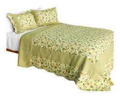 Blancho Bedding - [Fantasia Original] Cotton 3PC Vermicelli-Quilted Patchwork Quilt Set Full/Queen - Set includes a quilt and two quilted shams (one in twin set). Shell and fill are 100% cotton. For convenience, all bedding components are machine washable on cold in the gentle cycle and can be dried on low heat and will last you years. Intricate vermicelli quilting provides a rich surface texture. This vermicelli-quilted quilt set will refresh your bedroom decor instantly, create a cozy and inviting atmosphere and is sure to transform the look of your bedroom or guest room. Dimensions: Full/Queen quilt: 90 inches x 98 inches  Standard sham: 20 inches x 26 inches.