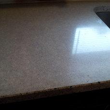 Modern Kitchen Countertops by Earthyconcreteartisan