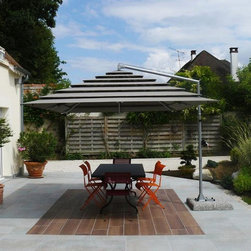 GardenArt - GardenArt's patented Multivalvola® System canopy is an innovative solution for dealing with windy days. This breakthrough shows how the genius of Leonardo continues to inspire Florentine craftsmen to this day.