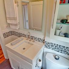 Modern Bathroom by William Robbins/ GR&T Group of HER Realtors