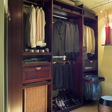 by Lisa Adams, LA Closet Design