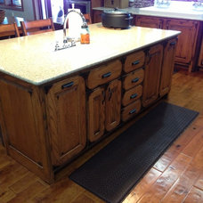 Rustic Kitchen Cabinetry by Stone Creek Cabinetry