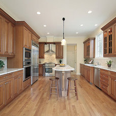 Kitchen Cabinetry by Dream's Closets