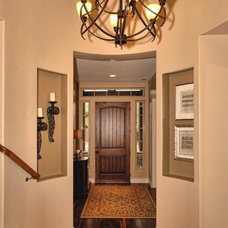 Contemporary Entry by Boise Hunter Homes