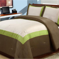 None - Hotel Green 3-piece Duvet Cover Set - With its soft colors and gentle sheen, this three-piece duvet cover set includes everything you need to make over your bed. Crafted with a 100 percent cotton backing, the set features an elegant green-and-brown border that creates instant style.