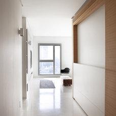 Modern Hall by Aviad Bar-Ness