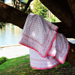 Attiser - Girls Quilts and Bedding - Girls quilts and bedding Sweet Nothings Handmade Quilt , a bright pink cotton floral blanket that will look lovely on any girl's bed, available in queen-size, it will provide a luxurious sleep every night.Hand Block Printed from Attiser