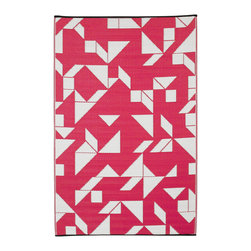 Fab Habitat - Fab Habitat - Indoor/Outdoor Rug - Santa Cruz - Beetroot & White, 3' X 5' - These beautifully crafted rugs are made following the fair trade principles. Fab Rugs add a touch of elegance to your home décor. They are made using premium quality recycled plastic straws which are tightly woven together to offer strength, softness and beauty. Being plastic, moisture will have no effect on the mat and it will not attract mildew.
