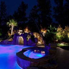 Tropical Pool by Fine Edge Landscape Design