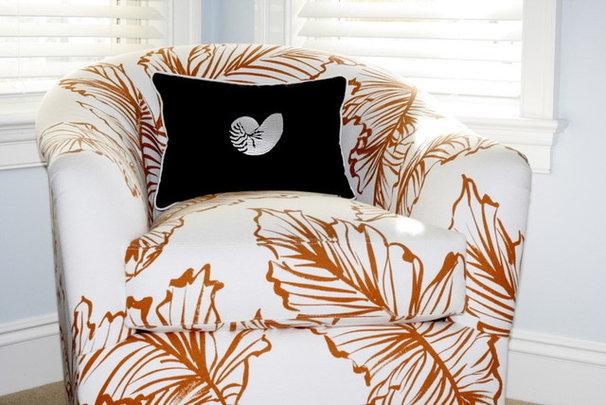 Tropical Bedroom by Beach Dwellings