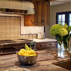 Mediterranean Kitchen by Maraya Interior Design