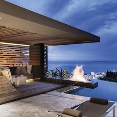 Luxurious Cutting Edge Residence Designed by Antoni Associates | DigsDigs