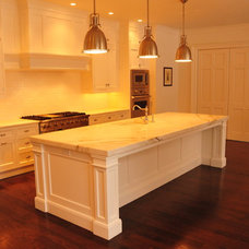 Traditional Kitchen by Fore Group Inc.