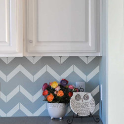 Chevron Vinyl Wall Decals by Vinyl Wall Art - There's no need to put in an expensive backsplash in the kitchen or bathroom — just add chevron wall decals. The pattern is so hot right now!