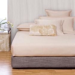 Howard Elliott - Coco Slate Platform Bedroom Set (Kit and Cover) - Choose Size: King