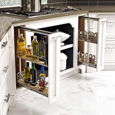 Photo from http://www.traditionalhome.com/design_decorating/kitchens/kitchen-upd