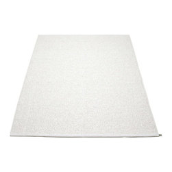 Pappelina - Pappelina SVEA Area Rug Metallic Shine, White/White - This  rug from Pappelina, Sweden, uses PVC-plastic and polyester-warp to give it ultimate durability and clean-ability. Great for decks, bathrooms, kitchens and kid's rooms.