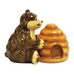 Westland - 3 Inch Brown Bear Happy to Have Honey Salt and Pepper Shakers - This gorgeous 3 Inch Brown Bear Happy to Have Honey Salt and Pepper Shakers has the finest details and highest quality you will find anywhere! 3 Inch Brown Bear Happy to Have Honey Salt and Pepper Shakers is truly remarkable.