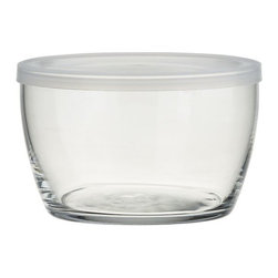 Storage Bowl With Clear Lid - Staple ingredient of a well-stocked kitchen. Stackable and perfectly portable, this pint-sized, clear glass bowl is ideal for storing and transporting leftovers.
