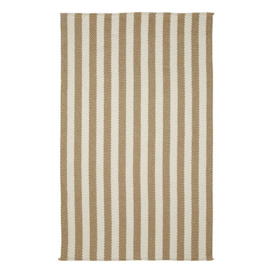 Grassy Island rug in Seagrass Stripe - Expanding on the success with our Hampton collection, we take it to the outdoors with Grassy Island.