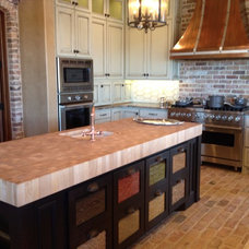 Traditional Kitchen Islands And Kitchen Carts by Creative Cabinets Inc.