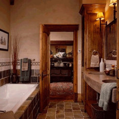 mediterranean bathroom by www.LUXURYSTYLE.es