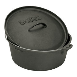 Bayou Classic - Bayou Classic 2-quart Cast Iron Dutch Oven - This Dutch oven features a cast iron construction. With a 2-quart capacity, this Dutch oven makes a great addition to any kitchen.
