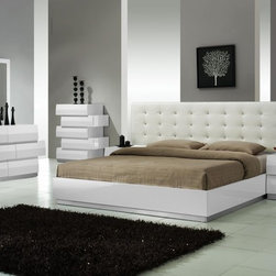 Elegant Leather High End Bedroom Sets - Milan modern bedroom set in white lacquer finish. Milan Bedroom offers a fresh aim and outlook of the modern bedroom.