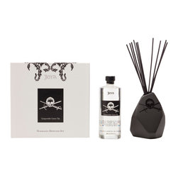 Joya - Gunpowder Green Tea Diffuser Set - Set the mood of your room with this diffuser. With a hint of shiso tea leaf, white mint, cape jasmine, calla lily and Sicilian lemon, you'll be pleasantly surprised with its original aroma. It also comes with an eclectic vase designed by artist Sarah Cihat.