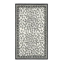 Safavieh - Hand-hooked Chelsea Leopard White Wool Rug (2'6 x 4') - This hand-hooked contemporary design features timeless looks from a pure virgin wool pile providing comfort and softness to the touch made from an all-natural material.