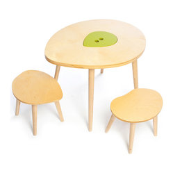 Mod Mom - The Owyn Table and Stool Set - This table and chair set is perfect for kids' coloring, building or snacking. The center leaf-shaped lid lifts off to reveal a storage area. And the set looks great with the matching toy box.