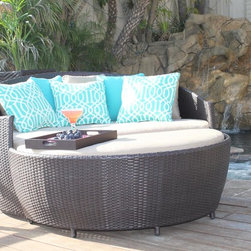Outdoor Day Beds | La Jolla Daybed - Premium quality resin wicker