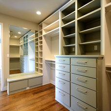 Contemporary Closet by Scott Payne Architect