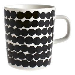 Marimekko Siirtolapuutarha Rsymatto Black and White Mug - A set of these would make a great gift. I love the idea of all-white dishes and mugs that really pop.